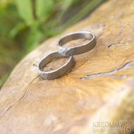 Dřevěná aranžovací podložka na snubní prsteny - Jehličnaté dřevo - SK2094 (2)