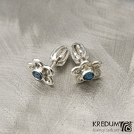 Flower a barevný zirkon - Stříbrné náušnice