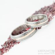 Duori red - dřevo 75% TM, B, vel 52, šířka 5 mm a vel 65, šířka 6 mm - Damasteel snubní prsteny a červené zlato - K 1580
