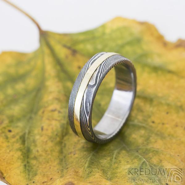 Duori yellow - 58, šířka 6 mm, dřevo extra zatmavené, B - Damasteel a žluté zlato, snubní prsteny, k 2482