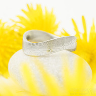 Forever - 66, šířka kovu 6 mm, vlna 9 mm, struktura dřevo 75% světlý lept, profil F - Damasteel kovaný prsten (3)