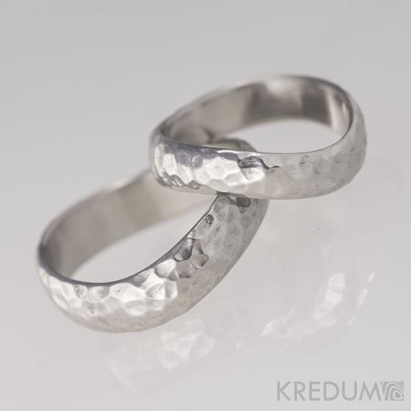 Kované nerezové snubní prsteny - FOREVER Atlas, lesklé - profil půlčočka