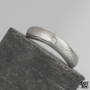 FOREVER a diamant 1,5 mm - struktura dřevo - Kovaný snubní prsten damasteel