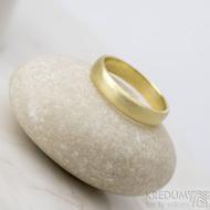 Golden klasik yellow - velikost 54, šířka 4 mm, tloušťka 1,3 mm, profil B - zlaté snubní prsteny - sk1766 (2)