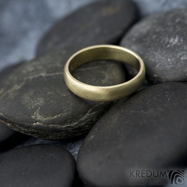Golden klasik yellow - velikost 54, šířka 4 mm, tloušťka 1,3 mm, profil B - zlaté snubní prsteny - sk1766 (5)