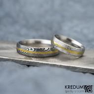 Golden line, dřevo - vel 50, šříka 4,5 mm, 75SV, D a vel 63, šířka 5 mm, 75TM, D - Damasteel prsteny se zlatou linkou - k 1149