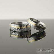 Golden Line third - 52, šířka 5,5 mm a 58, šířka 7 mm, oba dřevo 75% SV, profil E - Damasteel snubní prsteny a zlato - k 2115