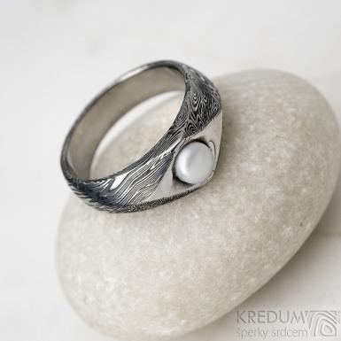Gracia s pravou perlou - Kovaný prsten damasteel - voda