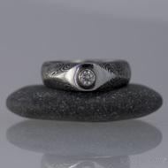 GRADA a broušený kámen ve zlatě - Kovaný zásnubní prsten damasteel, struktura kolečka
