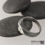 GRADA a broušený kámen ve stříbře - Kovaný zásnubní prsten damasteel, struktura kolečka