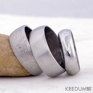 Kovaný nerezový snubní prsten - Klasik - povrchy: hrubý mat, mat a lesk