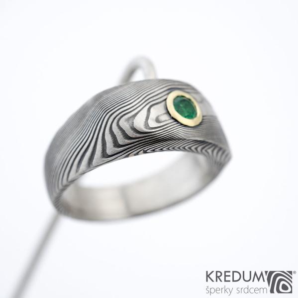 Intimity a broušený smaragd 3,5 mm do Au - velikost 56, šířka hlavy 8 mm do dlaně 5 mm, tloušťka hlavy 3 -3,5 mm, struktura TW 100% zatmavený a matný sk1458 (3)