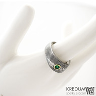 Intimity a broušený smaragd 3,5 mm do Au - velikost 56, šířka hlavy 8 mm do dlaně 5 mm, tloušťka hlavy 3 -3,5 mm, struktura TW 100% zatmavený a matný sk1458 (4)