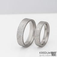 Prsten kovaný - Klasik titan - hrubý mat a čirý diamant 1,7 mm - velikosti 53/4,5 mm a 61/5,5 mm