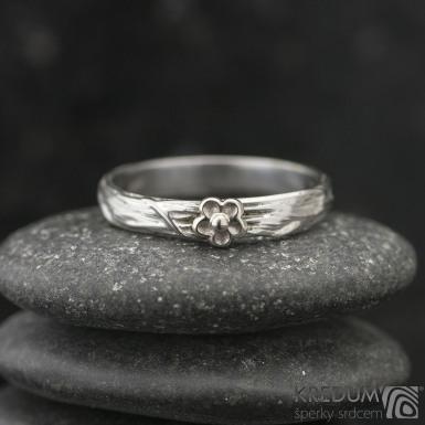 GORDIK flower Au - Motaný zásnubní prsten nerezový