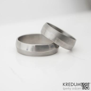 Fici titan - Kovaný snubní prsten lesk/mat