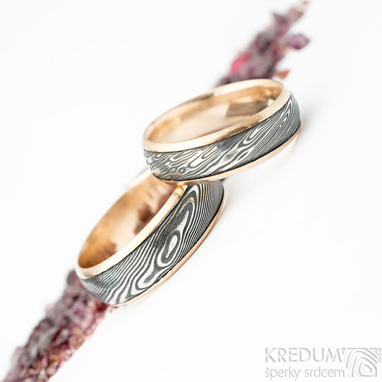 Kasiopea Red Voda Zlate Snubni Prsteny A Damasteel Vyroba Hand