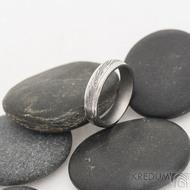 Kasiopea Steel - 52, šířka 4,5 mm, tloušťka 1,5 mm, voda lept 75% TM, profil B - Damasteel snubní prsteny - sk2479 (2)