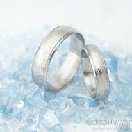Kasiopea Steel - dřevolept 75% světlý, profil D, velikost 49, šířka 4,5 mm a velikost 62, šířka 6 mm - Snubní prsteny - k 1563 (3)