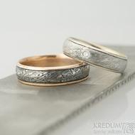 Kasiopea white a čirý diamant 2 mm, voda - 60, šířka 6 mm, okraje 2x0,75 mm, D - Damasteel snubní prsten a zlato