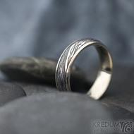 Kasiopea white - Zlatý snubní prsten a damasteel - velikost 57, šířka 5,5 mm, voda - extra TM, okraje hladké 2x0,75 -  SK1749 (6)