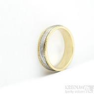 Kasiopea yellow - 48, šířka 4,3 mm, tloušťka 1,4 mm, dřevo - 75SV, okraje 2x0,75 mm tepané - Zlaté snubní prsteny - s1419 (3)