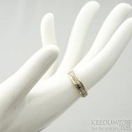 Kasiopea yellow - 48, šířka 4,3 mm, tloušťka 1,4 mm, dřevo - 75SV, okraje 2x0,75 mm tepané - Zlaté snubní prsteny - s1419 (2)