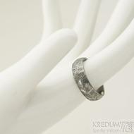 Klásek tmavý - velikost 60, šířka 6 mm, tloušťka 1,5 mm - Kované snubní prsteny - k 2228 (3)