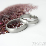 Klasik a čirý diamant 1,5 mm - vel 50, šířka 3,5 mm, matný, B a Klasik - vel 60, šířka 4,5 mm -Snubní prsteny - fl 3657446