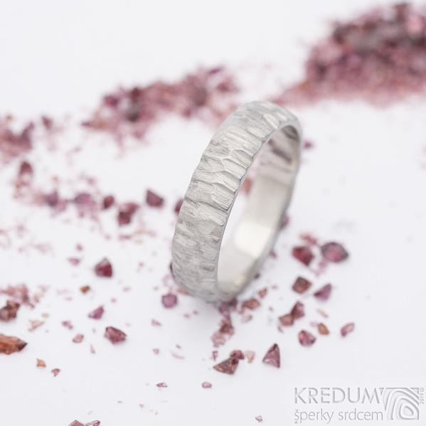 Klasik Bark světlý - Kovaný nerezový snubní prsten, SK2657
