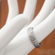 Klasik Bark světlý - velikost 53, šířka 4,9, tloušťka 1,6, světlý a matný, profil B - Nerezový snubní prsten