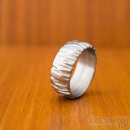 Klasik Bark - velikost 57, šířka 8, tloušťka 1,6, světlý, profil B - Nerezový snubní prsten