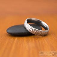Klasik Bark světlý - velikost 63 CF, šířka 5,3, tloušťka 1,8 mm, světlý, profil B - Nerezový snubní prsten