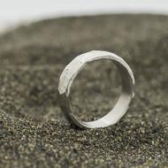Klasik draill a čirý diamant 1,7 mm - 53, šířka 5,2 mm, tloušťka 1,7 mm, povrch lesklý - kovaný snubní prsten - sk2981