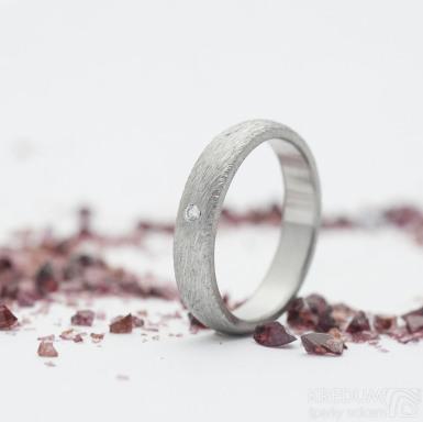 Klasik hrubý mat a diamant 1,5 mm - velikost 49,5, šířka 3,5 mm, profil B - SNubní prsten z nerezové oceli