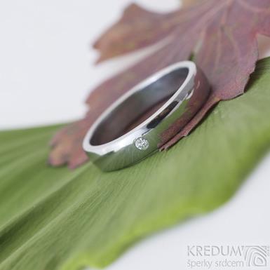 Klasik lesklý a čirý diamant 2 mm - 62, šířka 4,5 mm, tlouš´tka střední - Snubní prsteny z nerezové oceli - k 2450