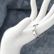 Klasik lesklý - Kovaný nerezový snubní prsten - velikost 61 CF, šířka 4,5 mm, tloušťka 1,5 mm, profil F - SK1668 (3)