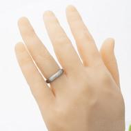 Klasik titan hrubý mat - kovaný titanový prsten, velikost 55, šířka 4 mm, tloušťka stěny 2 mm - profil B - produkt SK2766 - na umělé ruce