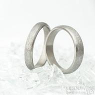 Klasik titan line - hrubý mat - Kovaný snubní prsten s leštěnými boky - Profil B, velikost 63, šířka 5 mm a 66 s šířkou 4 mm