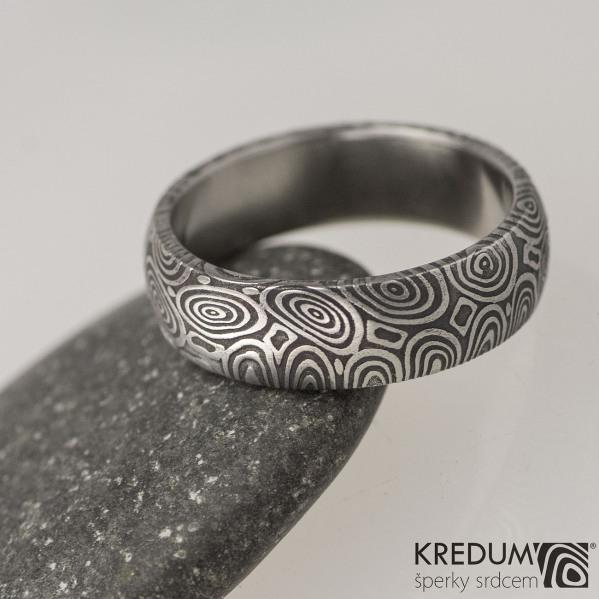 Snubní prsten damasteel Prima - kolečka, lept 75% tmavý