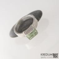 Kousek silver se smaragdem - Stříbrný zásnubní prsten, produkt SK2493