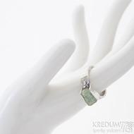 Kousek silver a smaragd velikost 57 (US 8), šířka do dlaně 4 mm - produkt SK2493
