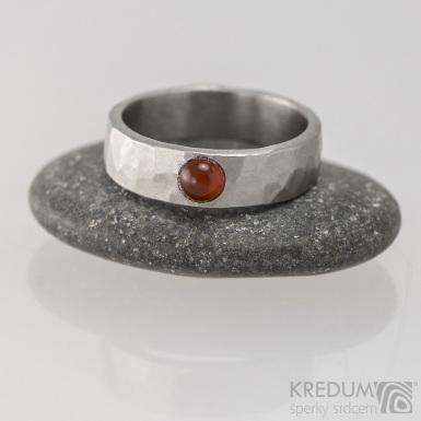 Draill a karneol - Snubní prsten kovaná nerezová ocel, S1647