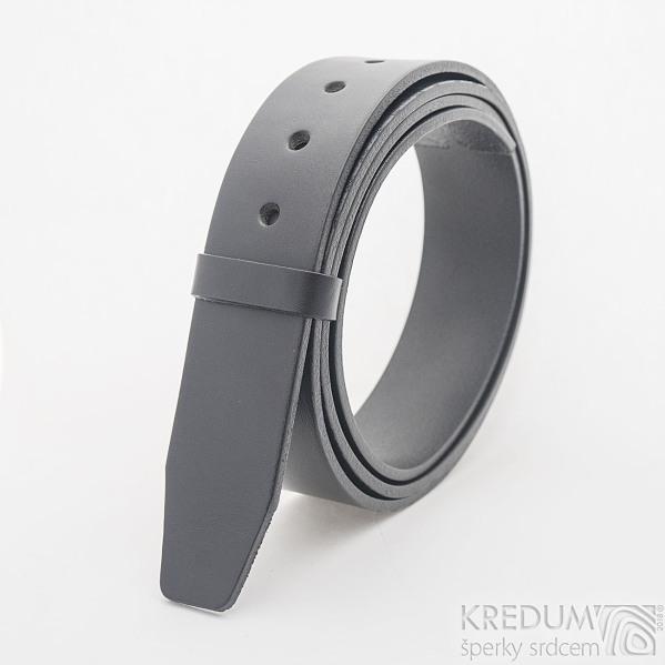 Kožený pásek 4X 135 cm - barva černá
