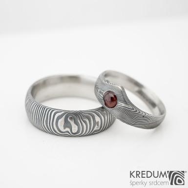 Zásnubní prsten damasteel - Královna a kabošon - dřevo