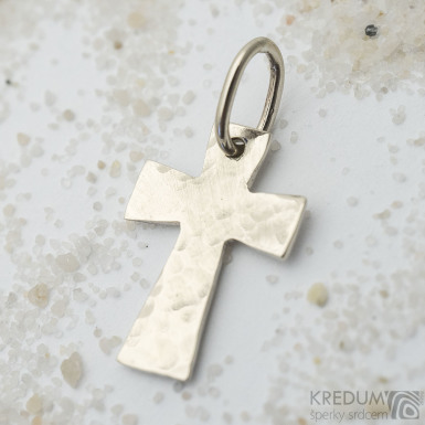 Tepaný křížek - Přívěsek z bílého zlata - SK3627
