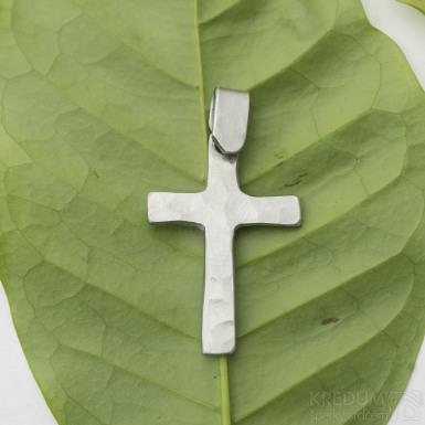 Křížek kovaný - Přívěsek z nerezové oceli, SK2940