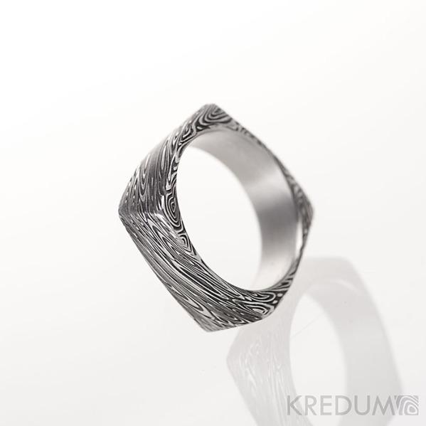 Kumali voda - Kovaný snubní prsten damasteel, produkt č. S1371