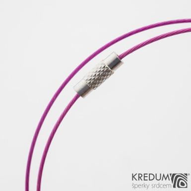 Tmavě růžové nylonové lanko s ocelovou strunou - šroubovací uzávěr