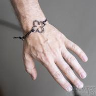 Layout 4leaf black - Kožený náramek s kovanou ozdobou
